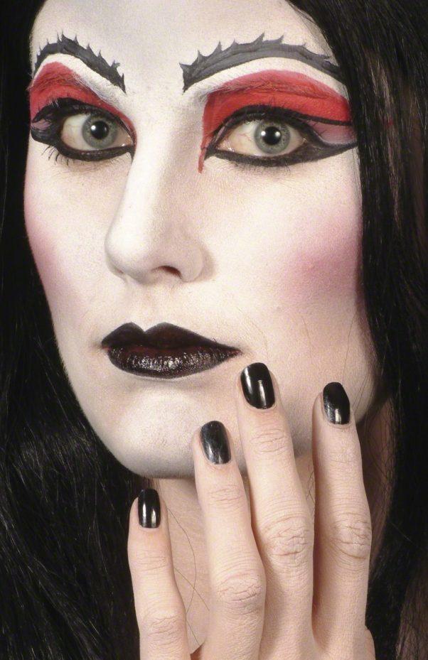 Photo du produit Rouge à lèvre et vernis noir Halloween